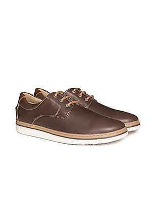 Johnston & Murphy Contrast Sole Leather Derby Shoes