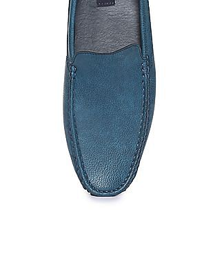 Arrow Pebble Grain Burnished Loafers
