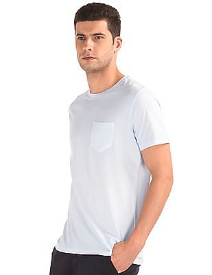 GAP Crew Neck Pocket Tee