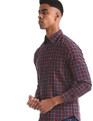 Arrow Sports Navy And Maroon Concealed Button Down Collar Shirt