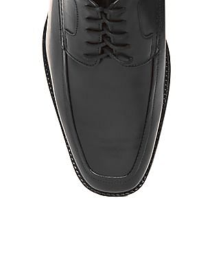 Johnston & Murphy Grained Leather Derby Shoes
