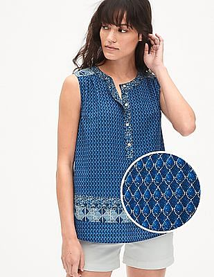 GAP Women Blue Sleeveless Mix Print Popover Shirt
