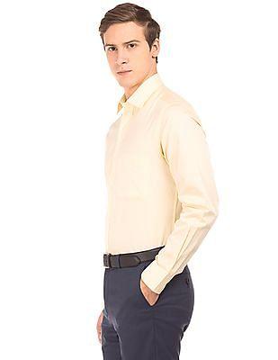 Arrow Cutaway Collar Regular Fit Shirt