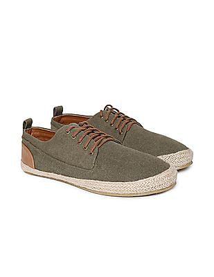 Colt Low Top Contrast Trim Sneakers