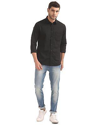 Izod Slim Fit Slub Weave Shirt