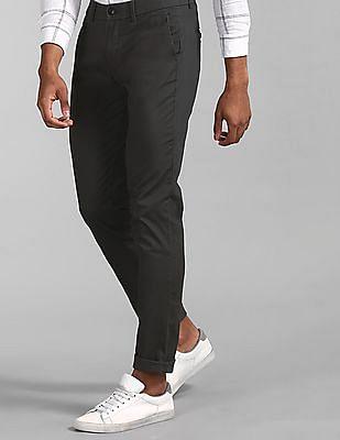 GAP Modern Khakis In Slim Fit With GapFlex