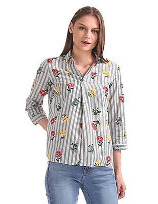 Cherokee Notched Spread Collar Printed Top