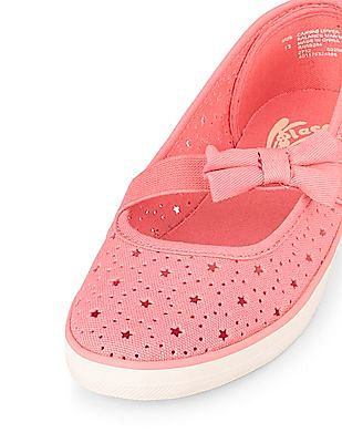 The Children's Place Girls Cutout Star Bow Shoe